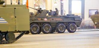 Russische Waffen Wiederholung der Militärparade (nachts) nahe dem Kreml, Moskau, Russland Stockbild