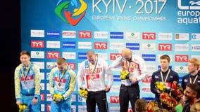 Russischer Befehlssieger, europäische Tauchmeisterschaften 2017 vergüten Zeremonie, Kiew, Ukraine, stock video footage