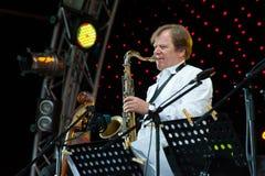 Russischer Jazzmusiker Igor Butman führt durch Stockfoto