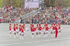 Russischer Militärfrauenorchestermarsch an der Parade auf jährlichem V Lizenzfreies Stockfoto