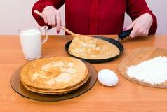 Russischer Pfannkuchen Blini Stockfotos