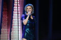 Russischer Popsänger Alina Artz führt während des 25. Slavyansky-Bazar-Festivals durch Stockbild