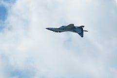 Russischer Streikkämpfer MIG-29 fliegt umgedrehtes Stockfotos