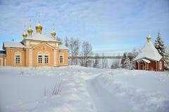 Russischer Winter im Kloster stockfoto