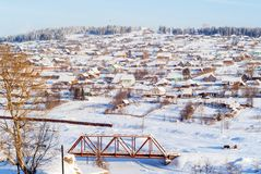Russisches Dorf im Winter stockfoto