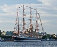 Russisches fullrigger in St Petersburg Lizenzfreies Stockfoto