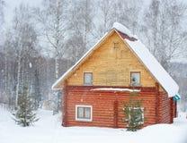 Russisches hölzernes Haus Stockbilder
