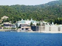Russisches Kloster an der Küste in Griechenland Lizenzfreies Stockbild