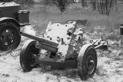 Russisches Panzerabwehr- Gewehr des Sowjet-45mm Es war die Panzerabwehr- hauptsächlichwaffe von rote Armee-Artillerie-Einheiten i lizenzfreie stockbilder