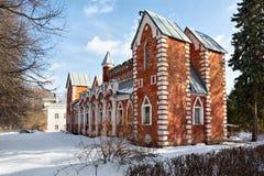 Russisches pseudo-gotisches Artgebäude in Sukhanovo lizenzfreies stockfoto