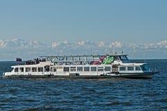 Russisches touristisches Schiff Lizenzfreie Stockfotografie