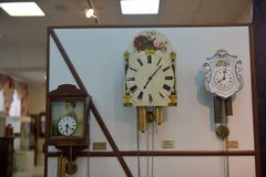 Russland, Angarsk 02/01/2018 Museum der alten Uhr Lizenzfreies Stockfoto