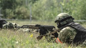 Russland, Belgorod, am 25. Juli 2016: Übungen von speziellen militärischen Einheiten stürmen Sie die gefangengenommene Basis auf  Lizenzfreie Stockfotografie