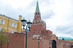 Russland das Moskau der Kreml am bewölkten Tag lizenzfreie stockfotografie
