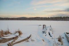 Russland-Landschaft - Dorf - Sonnenuntergang Lizenzfreie Stockbilder