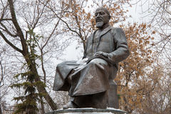 RUSSLAND, MOSKAU - 8. NOVEMBER 2016: Das Monument von Abai Qunanbaiuli auf Chistoprudny-Boulevard Lizenzfreies Stockfoto