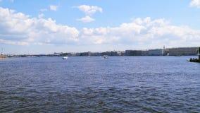 Russland St Petersburg Neva Fluss stock video