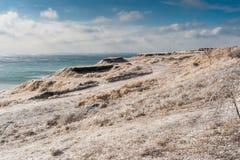 Russland, UralJanuary, Temperatur -33C Eis-bedeckte Niederlassungen von Büschen und von Gras nach anormalem Eisregen Lizenzfreie Stockfotos