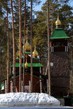 Russo de madeira Christian Church ortodoxo de St Sergius de Radonezh no monastério de Ganina Yama Imagens de Stock