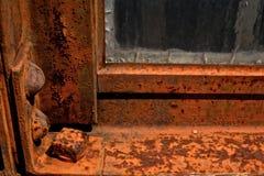 Rusted铁窗架特写镜头细节  免版税库存图片