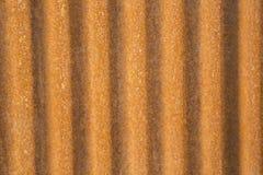 Rusted corrugou a lata do metal Foto de Stock Royalty Free