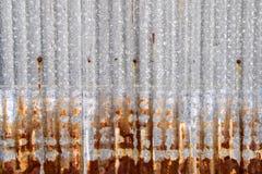 Rusted galvanisierte Eisenplatte Lizenzfreie Stockfotografie