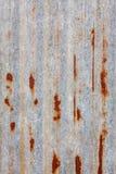 Rusted galvanizó la pared de la placa del hierro Foto de archivo libre de regalías