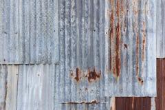 Rusted galvanizó la placa del hierro Imagen de archivo libre de regalías