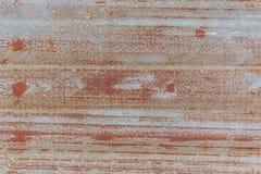 Rusted galvanizou a placa do ferro imagens de stock