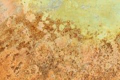 Rusted ha dipinto la parete del metallo Il fondo arrugginito del metallo con le strisce di ruggine la superficie di metallo ha ar Immagine Stock
