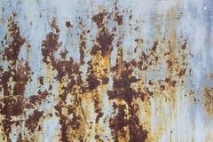 Rusted pintó la corrosión de la pared del metal con las rayas del moho fotografía de archivo