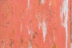 Rusted pintou a corrosão da parede do metal com as raias da oxidação foto de stock royalty free