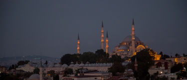 Rustem巴夏清真寺,伊斯坦布尔,土耳其 晚上 图库摄影