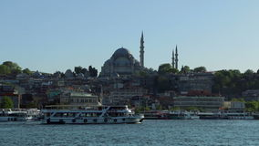Rustem Pasa Mosque et embarcations de plaisance clips vidéos