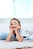 Rustgevende jongen Royalty-vrije Stock Afbeeldingen