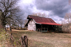 Rustic Barn Winter Day Royalty Free Stock Photos