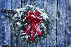 Free Rustic Christmas Wreath Royalty Free Stock Images - 47785609