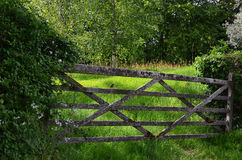 Rustic farm gate in England. Royalty Free Stock Photos