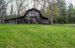 Rustic Old Barn in the Woods – Virginia, USA Royalty Free Stock Photos
