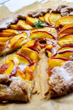 Rustic peach pie Royalty Free Stock Images