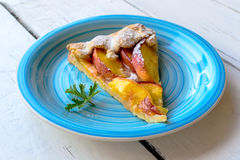 Rustic peach pie Royalty Free Stock Photography
