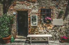 Rustic shop exterior in Monteriggioni , tuscany Royalty Free Stock Images