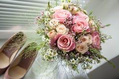 Rustical桃红色婚礼花束 库存图片