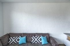 Rustical witte bakstenen muur royalty-vrije stock afbeeldingen