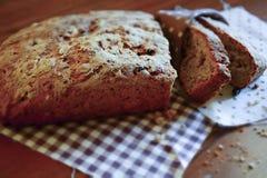 Rustiek brood gesneden stukken Stock Foto's