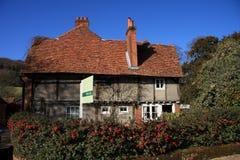 Rustiek Plattelandshuisje voor Verkoop Royalty-vrije Stock Fotografie