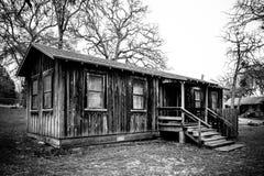Rustiek Plattelandshuisje in Wildernis stock afbeeldingen