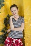 Rustiek portret van een jonge vrouw Stock Fotografie