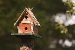 Rustiek Vogelhuis Royalty-vrije Stock Afbeeldingen