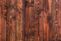 Rustieke bruine rode houten verticale mening als achtergrond Stock Foto